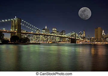 Moonrise in New York City - Moonrise over the Brooklyn...