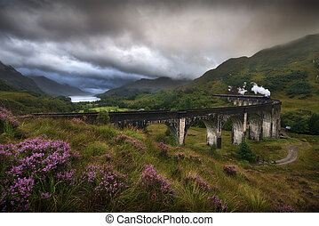 Glenfinnan Viaduct, Scotland - Glefinnan viaduct, Scottish...