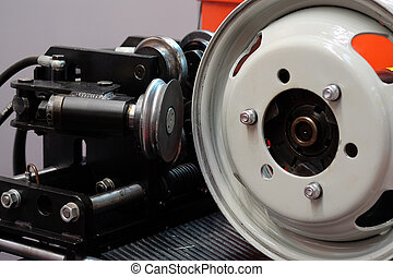 car disk repair machine - The image of a car disk repair...
