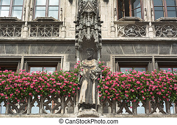 German Architecture in Munich - Munich City Hall as Example...