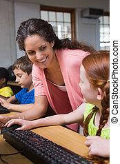 lindo, alumnos, en, computadora, clase,