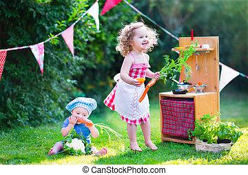 很少, 玩具, 花園, 孩子, 玩, 廚房