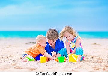 tres, niños, playa