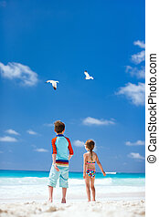 Kids and seabirds - Two little kids and a couple of seagulls...