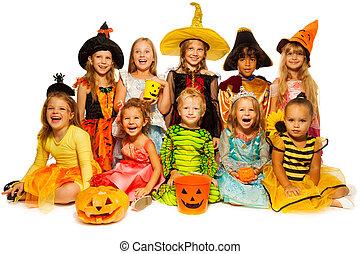 dez, crianças, dia das bruxas, trajes, junto, isolado