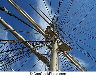mainmast - mast of the old galleon