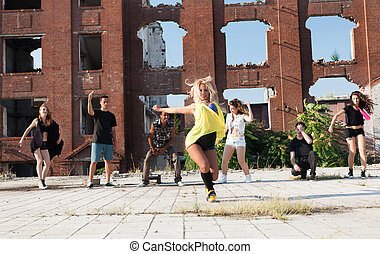 Energetic young hip hop street dancer - Young Girl hip hop...