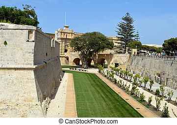 rabat fortification malta - mura della citt di rabat a malta...