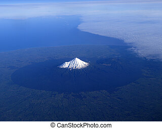 Mount Taranaki or Mount Egmont of New Zealand -...