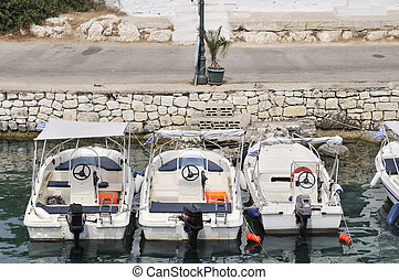 Greece motor boats - Greece motorboats for hire