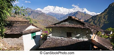 Beautiful village and Dhaulagiri himal - Guerrilla trek -...
