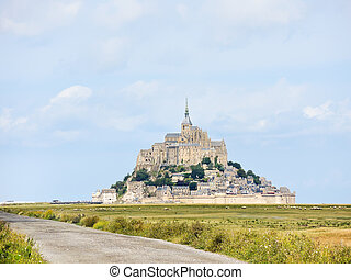 way to mont saint-michel abbey, Normandy