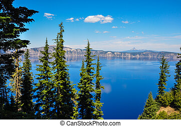 Crater Lake National Park, Oregon, USA.