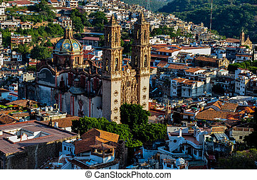 View over the Cathedral of Taxco, Guerreros, Mexico.