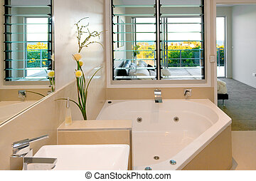 Bathroom and main bedroom - Ensuite adjourning the main...