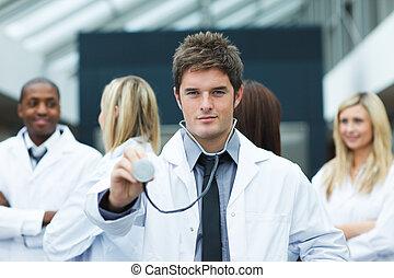 年輕, 醫生