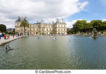 Paris - Luxembourg Palace and octagonal basin. The Jardin du...