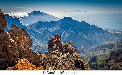 Volcanic mountains landscape. - Roque de Los Muchachos. La...