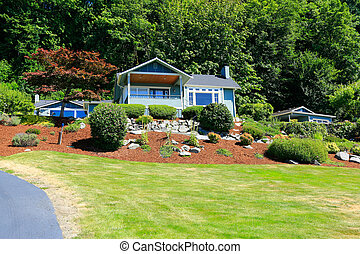 House with beautiful curb appeal. Port Orchard town, WA.
