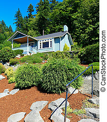 House with beautiful curb appeal. Port Orchard town, WA
