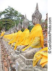 Aligned statues of Buddha in thailand