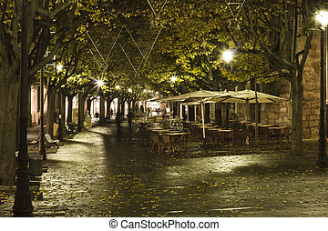 Girona and its old streets - Night view of this great Girona...