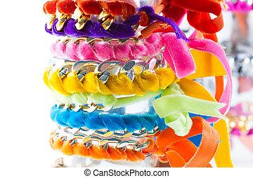terciopelo, cadena, pulseras