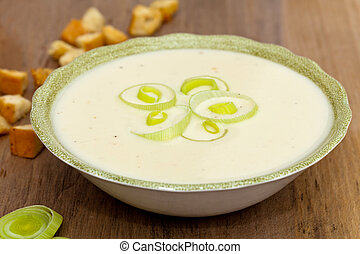 Leek and Potato soup - Tasty home made leek soup