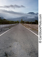 contry road of morning - It is a contry road in the morning.