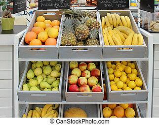 Organic food store - Shelf full of fresh vegetables wooden...