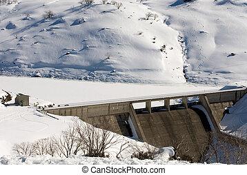 Guthega Dam, part of Australias Snowy Mountains...