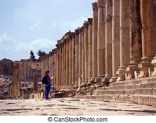 Jerash, Jordan.  - Temple of Artemis in Jerash, Jordan.