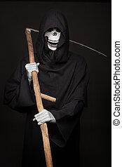 Halloween character: grim reaper - Halloween character: grim...