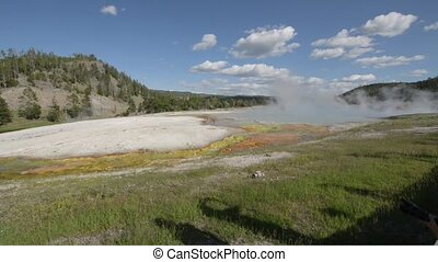 Turquoise Pool Yellowstone - Turquoise Pool Midway Geyser...