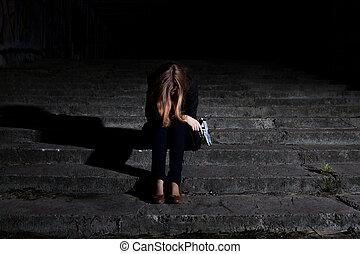 mulher, arma, escuridão