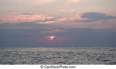 Beautiful seascape at sunset - Quiet sea at sunset, sun...