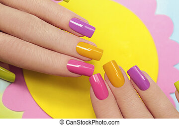 Solar manicure. - Solar manicure colored varnishes...