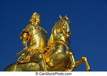 Dresden Golden Knight 04