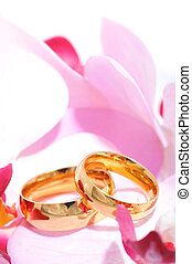 Two rings with orchis - Two golden rings in pink orchis