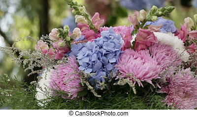 Bouquet of flowers in vase - Festive bouquet in a glass vase