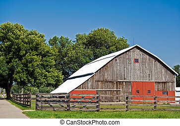 Americana - Old barn in midwest America.