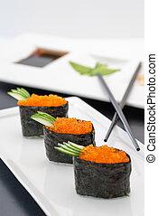Tobiko Gunkan Sushi