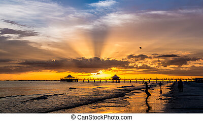 Sunset on Fort Myers Beach - The beautiful sun setting on...