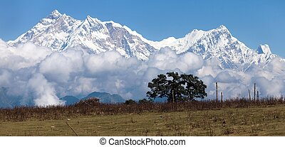 Panoramic view of Annapurna Himal from Jaljala pass - Nepal...