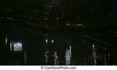 Night ritual - Ritual bathing in holy lake - Pushkar India