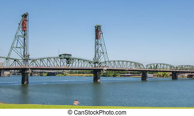 Portland Hawthorne Bridge - Time lapse of the hawthorne...