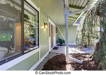 Green house entrance porch
