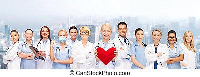 sonriente, medicos, enfermeras, rojo, corazón
