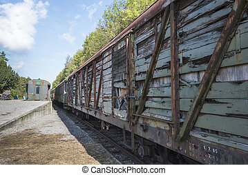 old rusted train at trainstation hombourg