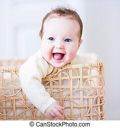 niemowlę, pralnia, kosz